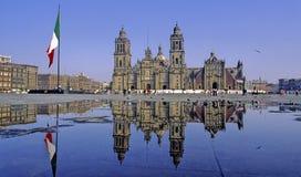 καθεδρικός ναός που απε& Στοκ Εικόνες