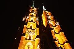 Καθεδρικός ναός σε Ostrow Tumski τη νύχτα, Wroclaw, Πολωνία Στοκ φωτογραφία με δικαίωμα ελεύθερης χρήσης