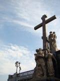 Καθεδρικός ναός στο ρωσικούς σταυρό και τα αγάλματα εκκλησιών αίματος Στοκ εικόνα με δικαίωμα ελεύθερης χρήσης