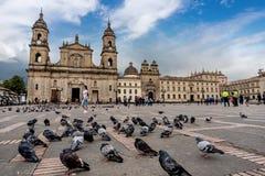 Καθεδρικός ναός στο τετράγωνο bolívar στη Μπογκοτά, Κολομβία στοκ εικόνες