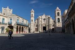 Καθεδρικός ναός της Αβάνας από Plaza de Λα Catedral στην παλαιά Αβάνα, Κούβα Στοκ Εικόνες