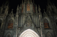 Καθεδρικός ναός τη νύχτα Στοκ φωτογραφία με δικαίωμα ελεύθερης χρήσης