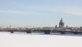 Καθεδρικός ναός του ST Isaac, η Annunciation γέφυρα θόλος Isaac Πετρούπολη Ρωσία s Άγιος ST καθεδρικών ναών Στοκ φωτογραφίες με δικαίωμα ελεύθερης χρήσης