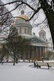 Καθεδρικός ναός του ST Isaac στο χιόνι Στοκ Φωτογραφία