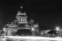 Καθεδρικός ναός του ST Isaac τη νύχτα, Άγιος-Πετρούπολη Στοκ εικόνες με δικαίωμα ελεύθερης χρήσης