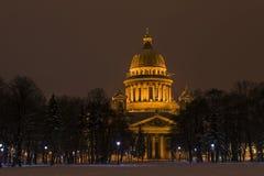 Καθεδρικός ναός του ST Isaac τη νύχτα, Άγιος-Πετρούπολη Στοκ Φωτογραφίες