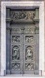 Καθεδρικός ναός του ST Isaac ` s πυλών στη Αγία Πετρούπολη, Ρωσία Στοκ φωτογραφία με δικαίωμα ελεύθερης χρήσης