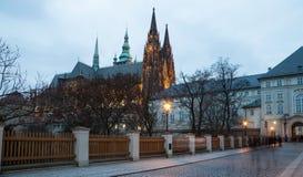 Καθεδρικός ναός του ST Vitus (Ρωμαίος - καθολικός καθεδρικός ναός) στο Κάστρο της Πράγας Στοκ φωτογραφίες με δικαίωμα ελεύθερης χρήσης