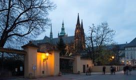Καθεδρικός ναός του ST Vitus (Ρωμαίος - καθολικός καθεδρικός ναός) στο Κάστρο της Πράγας Στοκ Φωτογραφία