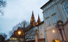 Καθεδρικός ναός του ST Vitus (Ρωμαίος - καθολικός καθεδρικός ναός) στο Κάστρο της Πράγας Στοκ εικόνες με δικαίωμα ελεύθερης χρήσης