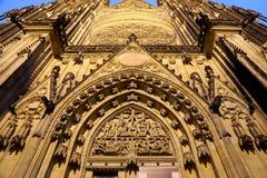 Καθεδρικός ναός του ST Vitus (Ρωμαίος - καθολικός καθεδρικός ναός) στο Κάστρο της Πράγας Στοκ Εικόνα