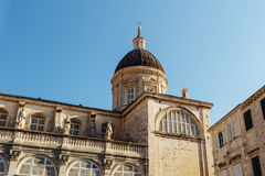 Καθεδρικός ναός υπόθεσης στο παλαιό μέρος της πόλης Dubrovnik, Κροατία Στοκ φωτογραφία με δικαίωμα ελεύθερης χρήσης