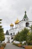 Καθεδρικός ναός χριστιανισμού στη Ρωσία, πόλη Kostroma, μοναστήρι Ipatievsky, λίκνο του σπιτιού Romanovs Στοκ εικόνες με δικαίωμα ελεύθερης χρήσης
