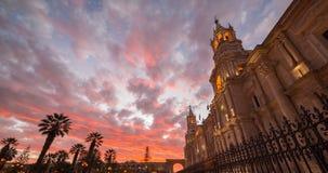 Καθεδρικός ναός Arequipa, Περού, με τη ζάλη του ουρανού στο σούρουπο Στοκ εικόνα με δικαίωμα ελεύθερης χρήσης