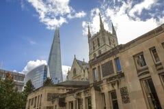 Καθεδρικός ναός Southwark και κτήριο Shard - Λονδίνο Στοκ Φωτογραφίες