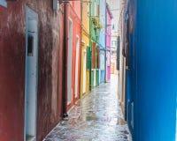 Καθημερινή ζωή σε Burano μετά από τη βροχή Στοκ φωτογραφία με δικαίωμα ελεύθερης χρήσης
