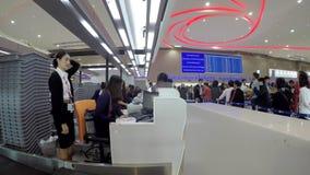 Καθημερινή ζωή των μετρητών εισόδου αερολιμένων απόθεμα βίντεο