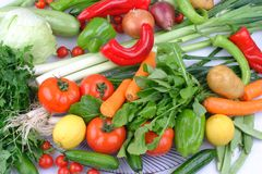 Καθημερινή ομάδα διαφορετικών φρούτων και λαχανικών στοκ φωτογραφία