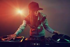 Καθιερώνον τη μόδα DJ Στοκ φωτογραφίες με δικαίωμα ελεύθερης χρήσης