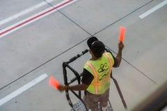 Καθοδήγηση προσγείωσης και ελλιμενισμού  Διεθνής αερολιμένας του San Jose στοκ φωτογραφία με δικαίωμα ελεύθερης χρήσης