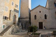 Καθολική εκκλησία του ST John ο βαπτιστικός - ο παλαιότερος της ενισχυμένης παλαιάς πόλης Budva, Μαυροβούνιο στοκ φωτογραφία