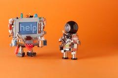Καθορίζοντας κεντρική έννοια επισκευής υπολογιστών Ρομπότ μελών των ενόπλων δυνάμεων με τον πυκνωτή μηχανικών κατσαβιδιών, λάμπα  στοκ φωτογραφίες