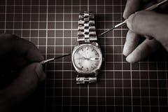 καθορίζοντας παλαιό ρολόι Στοκ εικόνες με δικαίωμα ελεύθερης χρήσης