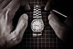 καθορίζοντας παλαιό ρολόι Στοκ φωτογραφίες με δικαίωμα ελεύθερης χρήσης