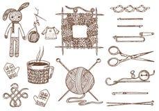 Καθορισμένα εργαλεία για το πλέξιμο ή το τσιγγελάκι και τα υλικά ή στοιχεία για τη ραπτική ράψιμο λεσχών χειροποίητος για DIY Κατ Στοκ Φωτογραφίες