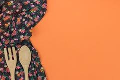 καθορισμένα εργαλεία κ&omi Floral πετσέτα υφασμάτων σχεδίων στο ε Στοκ φωτογραφίες με δικαίωμα ελεύθερης χρήσης