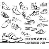 Καθορισμένα διανυσματικά παπούτσια γυναικών, ανδρών και των παιδιών που χρωματίζονται Στοκ Εικόνα