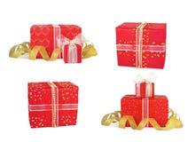 Καθορισμένα κιβώτια δώρων διακοπών που διακοσμούνται με τα τόξα και τις κορδέλλες Στοκ εικόνες με δικαίωμα ελεύθερης χρήσης