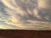 Καθορισμένα σύννεφα ήλιων Coober pedy Στοκ φωτογραφία με δικαίωμα ελεύθερης χρήσης