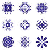 καθορισμένα snowflakes επίσης corel σύρετε το διάνυσμα απεικόνισης Στοκ εικόνες με δικαίωμα ελεύθερης χρήσης