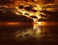 καθορισμένος ήλιος Στοκ φωτογραφία με δικαίωμα ελεύθερης χρήσης