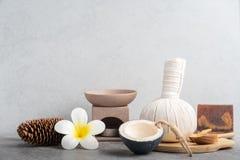 Καθορισμένο μασάζ Aromatherapy product Spa με το συγκεκριμένο υπόβαθρο Στοκ Φωτογραφία