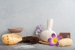 Καθορισμένο μασάζ Aromatherapy product Spa με το συγκεκριμένο υπόβαθρο Στοκ φωτογραφία με δικαίωμα ελεύθερης χρήσης