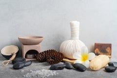 Καθορισμένο μασάζ Aromatherapy product Spa με το συγκεκριμένο υπόβαθρο Στοκ εικόνες με δικαίωμα ελεύθερης χρήσης