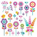 Καθορισμένο χαριτωμένο floral ροζ πουλιών πεταλούδων καρδιών στοιχείων ελεύθερη απεικόνιση δικαιώματος
