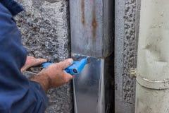 Καθορισμός μιας leaky διοχέτευσης 2 υδρορροών στοκ εικόνα με δικαίωμα ελεύθερης χρήσης