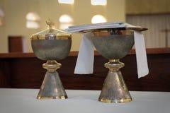 Καθολική εκκλησία καλύκων κοινωνίας Στοκ Εικόνες