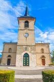 Καθολική εκκλησία με το ρολόι Στοκ Εικόνες