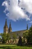 Καθολική εκκλησία σε Vyehrad Πράγα στο νεογοτθικό ύφος Η βασιλική των Αγίων Peter και Paul ο καθεδρικός ναός του ST Peter και Στοκ εικόνα με δικαίωμα ελεύθερης χρήσης