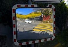Καθρέφτης κυκλοφορίας, χωριό Fechy στοκ εικόνα με δικαίωμα ελεύθερης χρήσης
