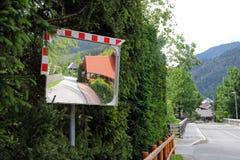 Καθρέφτης κυκλοφορίας στοκ φωτογραφία με δικαίωμα ελεύθερης χρήσης