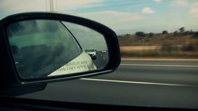 Καθρέφτης πλάγιας όψης που φαίνεται πίσω Drive απόθεμα βίντεο