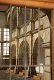 Καθρέφτης στο παράθυρο Castle σε Moravska Trebova, Δημοκρατία της Τσεχίας Στοκ Φωτογραφία