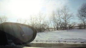Καθρέφτης του αυτοκινήτου την πρώιμη άνοιξη σε σε αργή κίνηση 1920x1080 φιλμ μικρού μήκους