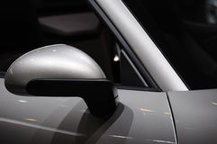 Καθρέφτης φτερών αυτοκινήτων Στοκ φωτογραφία με δικαίωμα ελεύθερης χρήσης