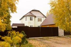 Καινούργιο σπίτι σε ένα εξοχικό σπίτι στη Ρωσία Στοκ εικόνα με δικαίωμα ελεύθερης χρήσης